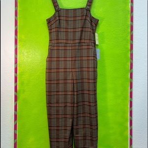 XL PERFECT PLAID COVERALLS WITH POCKETS.